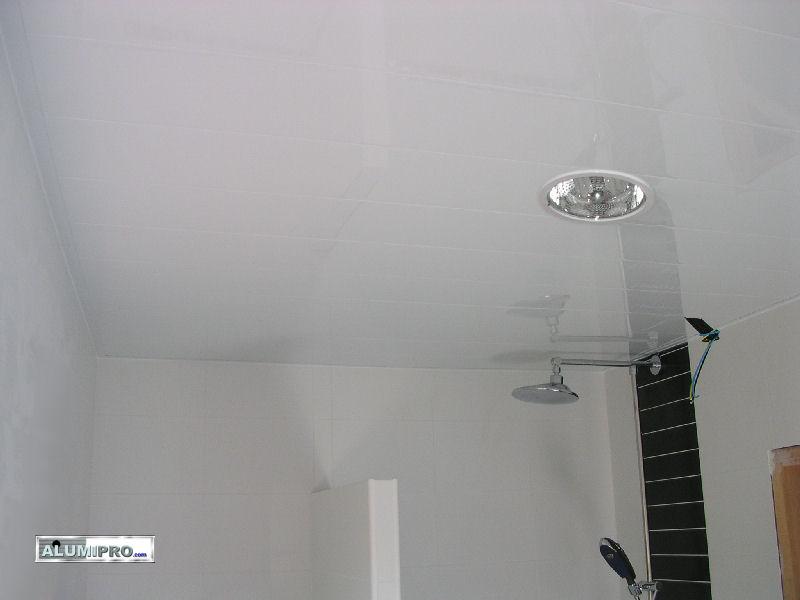 Instalaci n de techo de aluminio en ducha - Falsos techos para banos ...