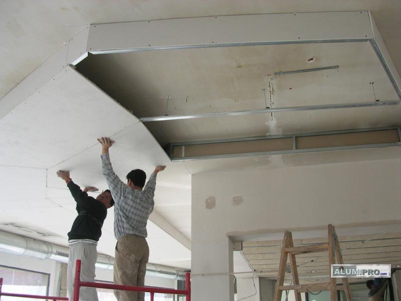 Proceso de instalaci n de falso techo pladur para local - Como colocar pladur en techo ...