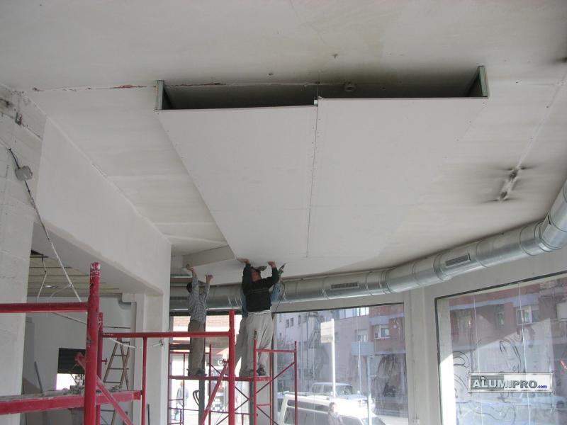 Proceso de instalaci n de falso techo pladur para local - Iluminacion falso techo ...