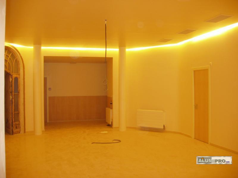 Rehabilitaci n y renovaci n de un sal n mediante pladur for Techos salones modernos